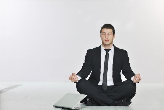 businessman zen méditation